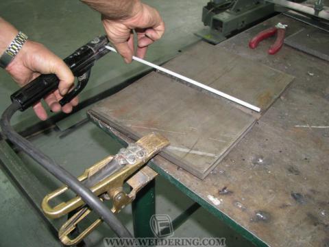 Процесс укладки электрода